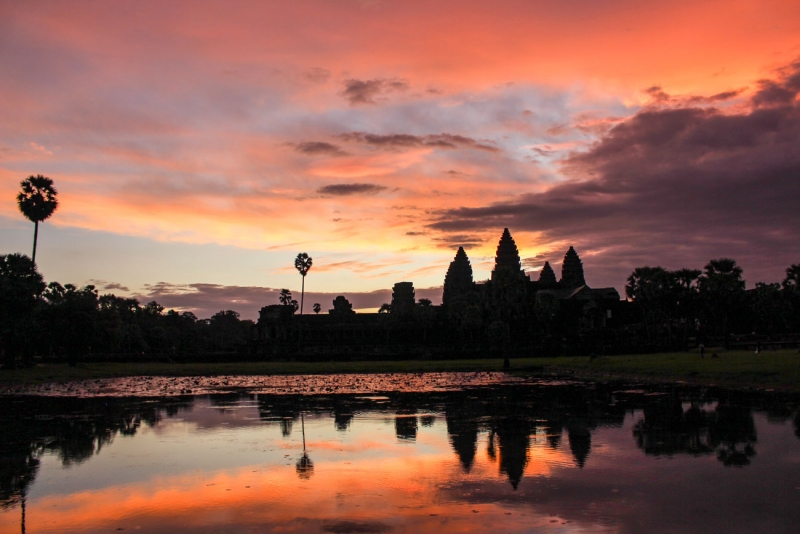 best way to visit angkor wat sunrise 14