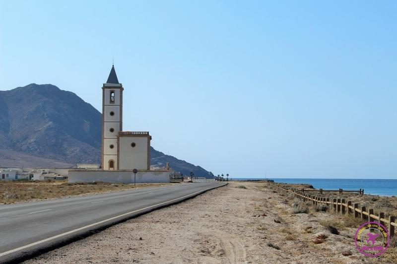 Paisagem na estrada do Parque Natural Cabo de Gata-Níjar.
