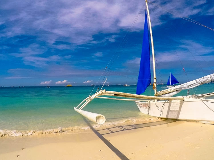 10 How Much does it Cost to Travel in Philippines boracay.jpg