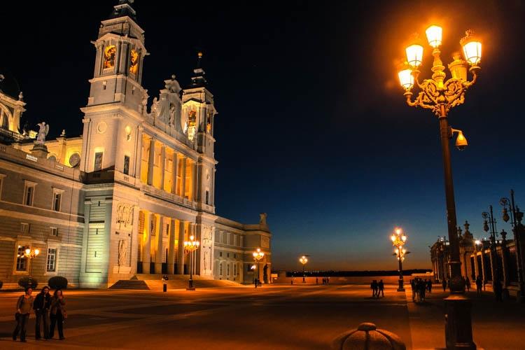 Quanto custa viajar na Espanha? Gastos com hospedagem, transporte e alimentação.Tudo que você precisa saber para planejar sua viagem para Espanha.