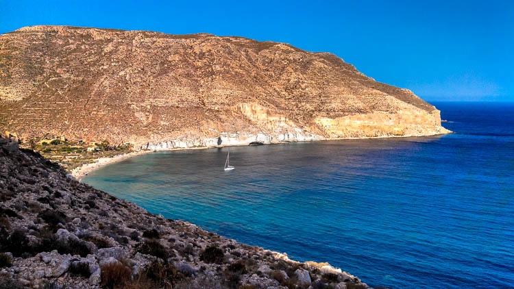Quanto custa viajar na Espanha ? Esse visual não custa nada! Bem-vindos an incrível parque Cabo de Gatas!
