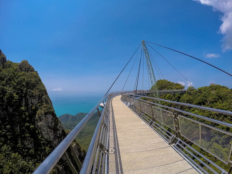 Top Things to do in Langkawi, it means that you can walk in the sky!!