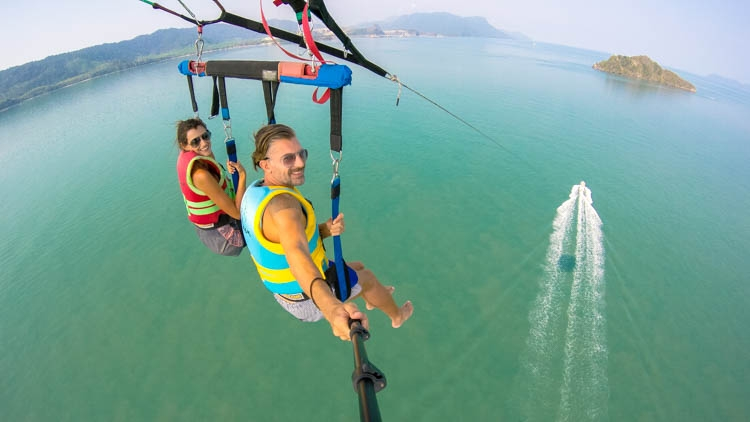 No doubt the parasailing is one of the Top Things to do in Langkawi, Malaysia.