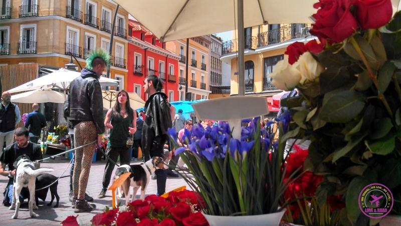 O Rastro de Madrid é um mercado ao ar livre.