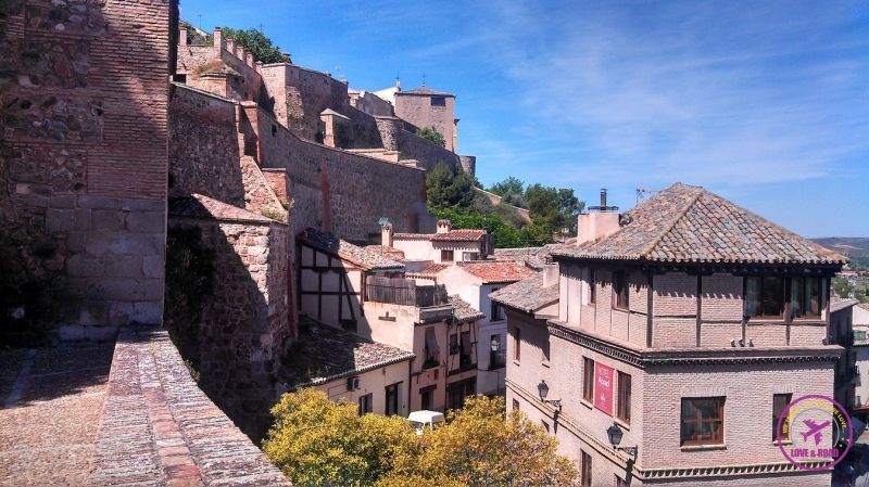 A view of Toledo city architecture.
