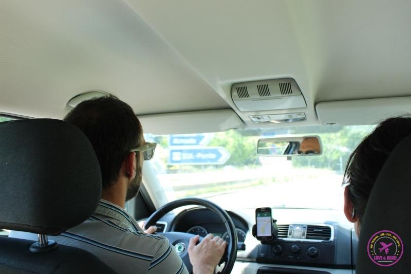 Hugo driving. Hugo dirigindo.