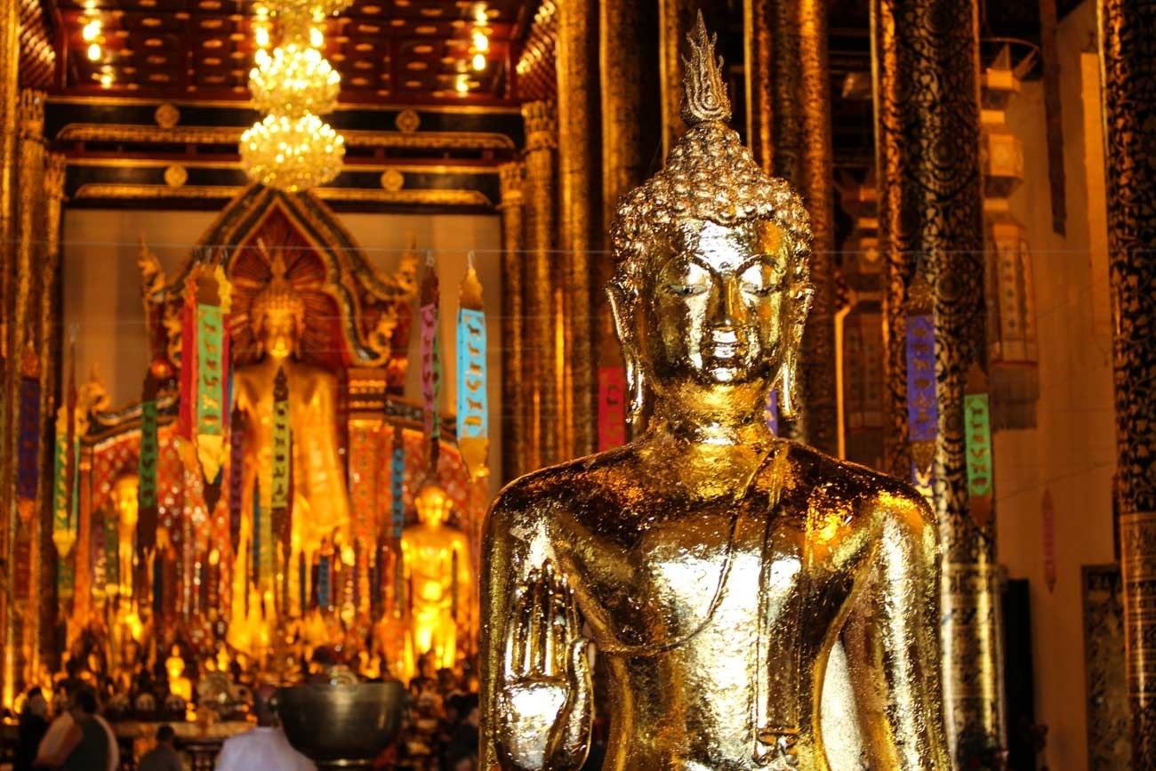You will find plenty of things to do in Chiang Mai. The city is famous for its beautiful temples, the city gates, massage courses and Buddhist festivals.