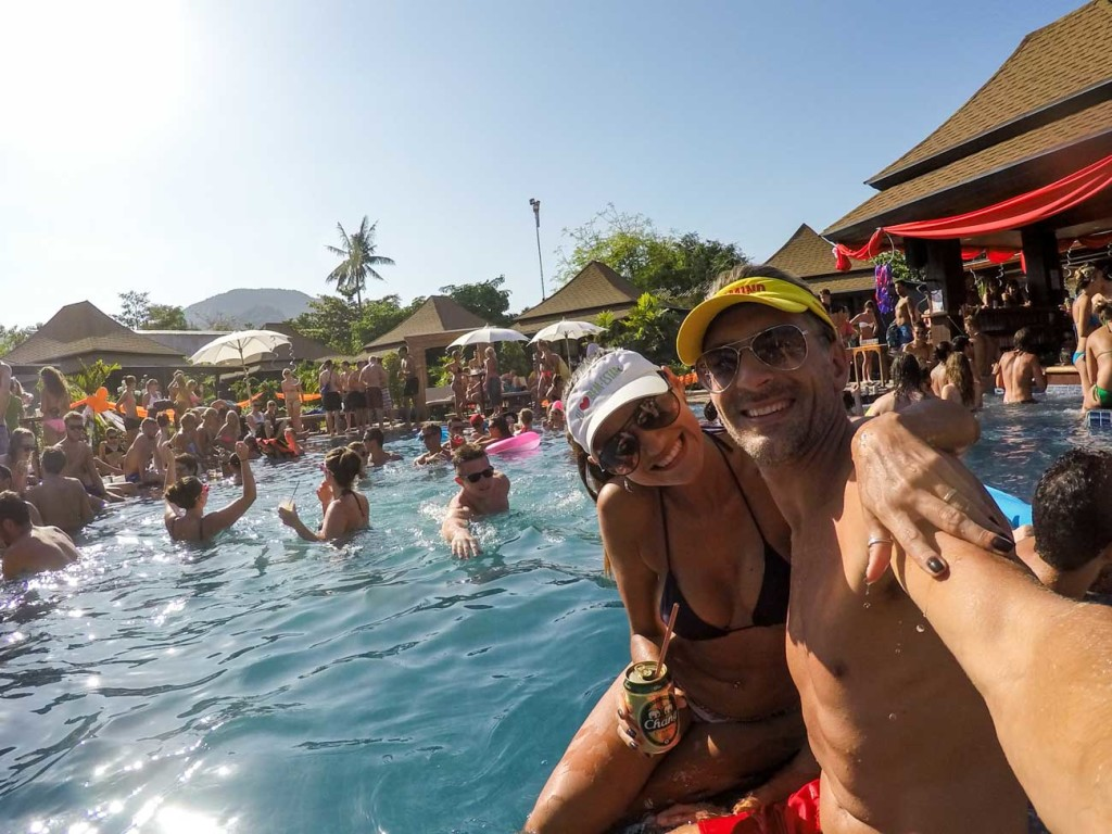 Do you want to know how much does it cost to travel in Thailand? We share our travel tips to find the best pool parties.