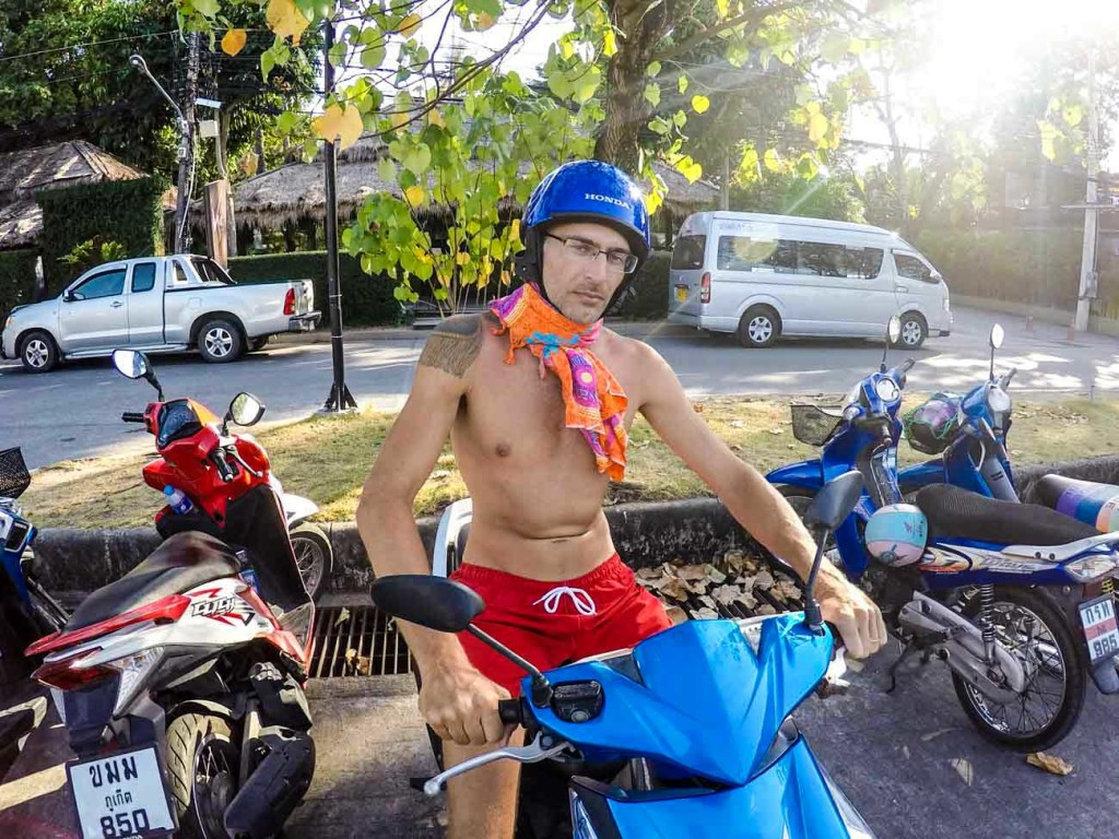 Explore the Thai Islands by motorbike, but always be safe! Helmet and travel insurance are a must!