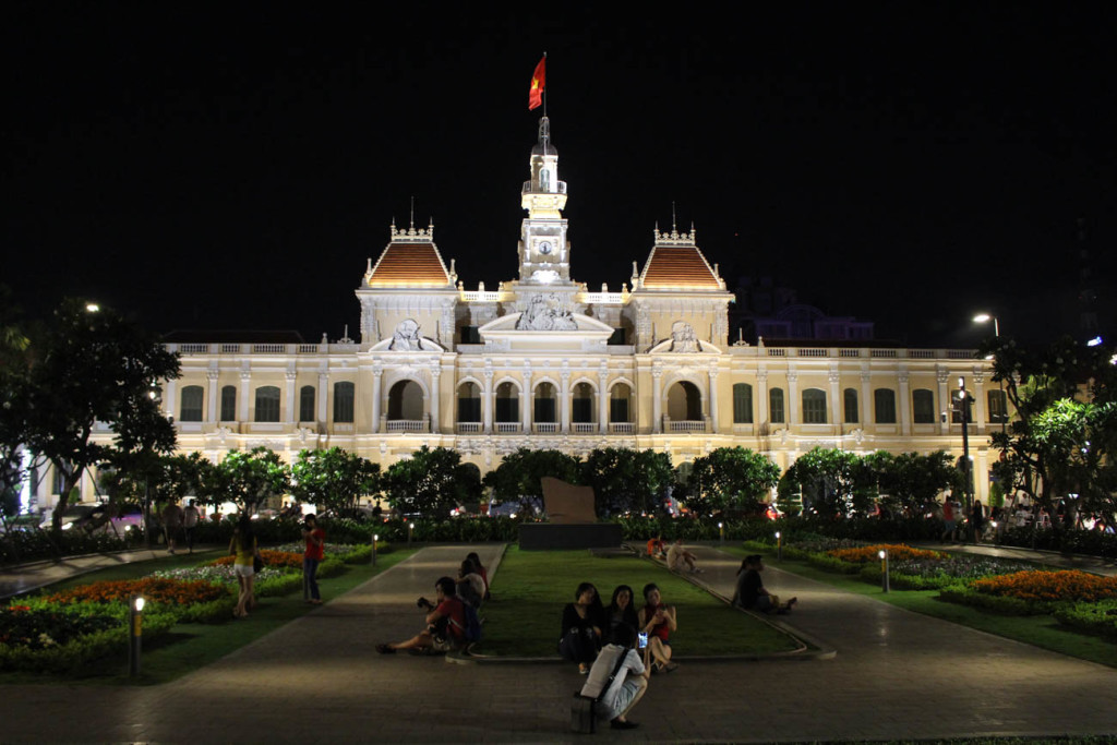 The People´s Committee Building is beautiful during night time, an unmissable attraction in Saigon