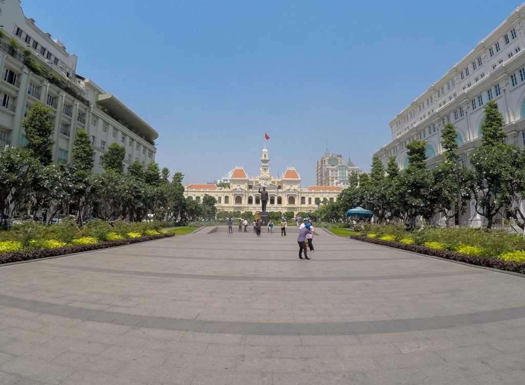 An ultimate guide to all the top things to do in Saigon. Where to stay, transportation, attractions in Ho Chi Minh City and safe issues.