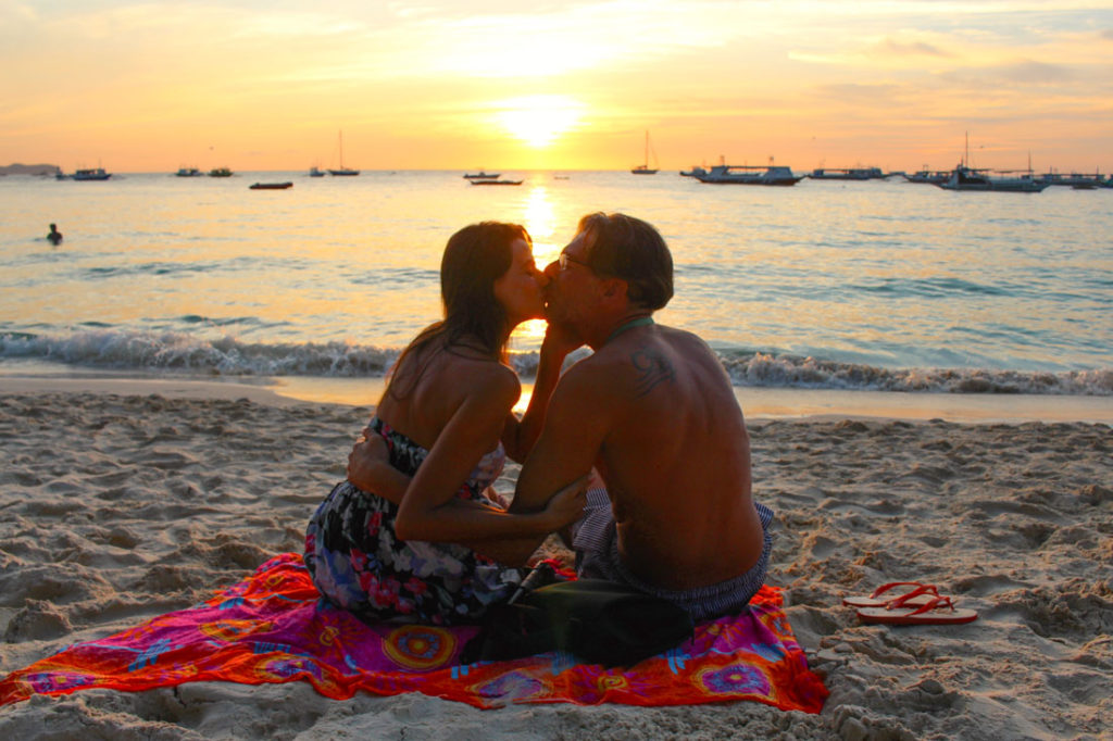 Love is in the Air and in The Philippines! Best beaches, islands and romantic places in The Philippines
