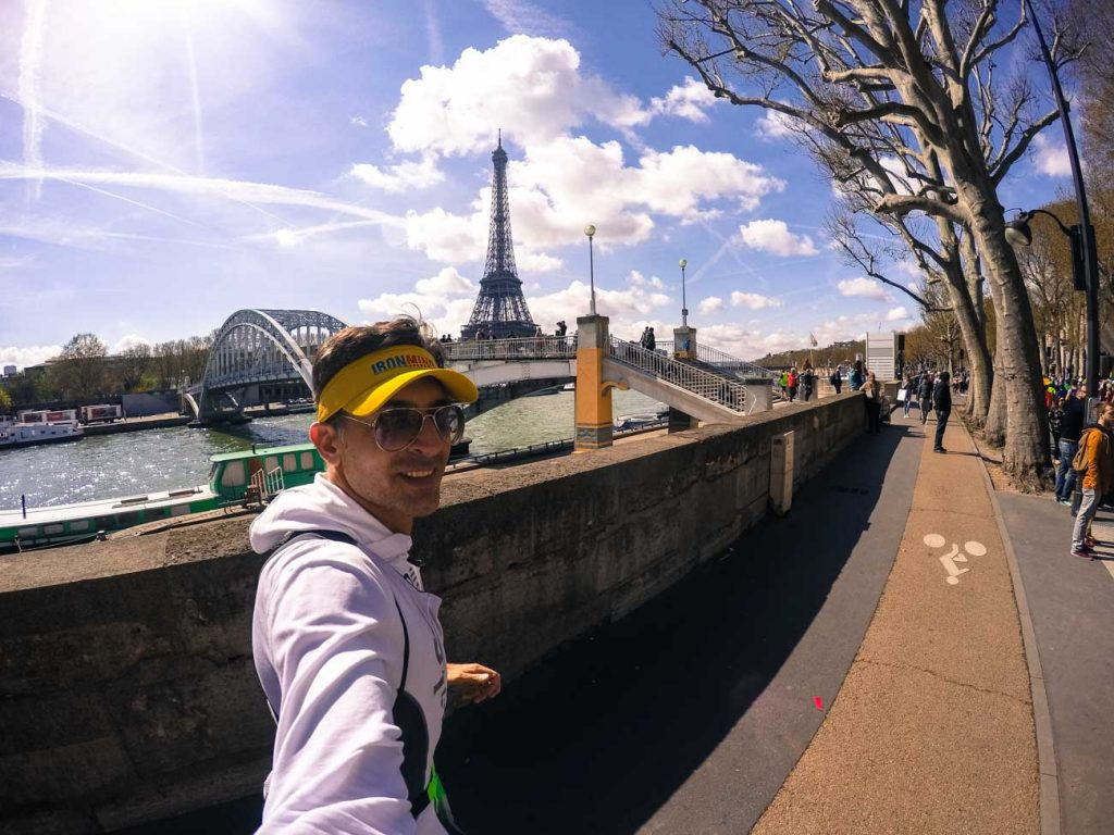 On our cost of travelling around the world is included some amazing experiences as the Paris Marathon that Rob did 2015!