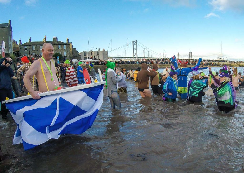 The best of Loony Dook! A bunch of lunatic swimming at the cold river after Edinburgh Hogmanay!