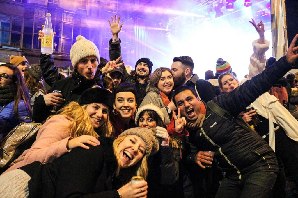 Dance with old and new friends, Edinburgh Hogmanay Street Party is all about be happy!