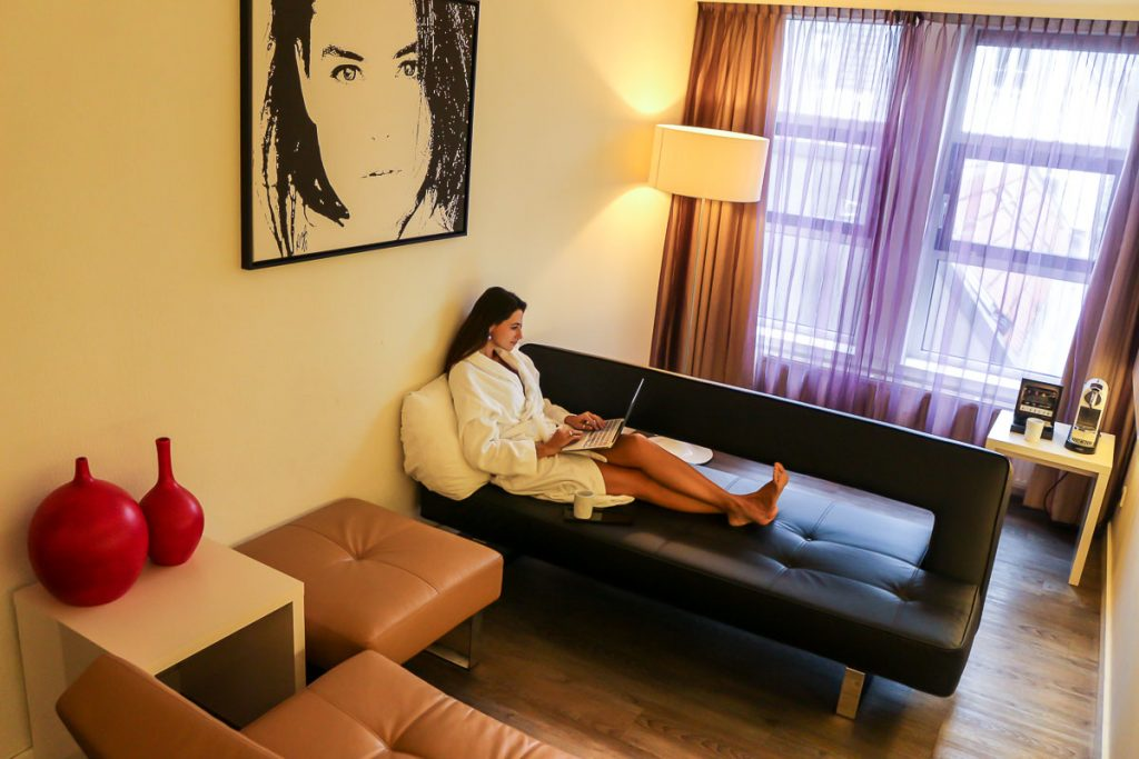 For us the best hotel in Amsterdam needs to be close to the city center, comfy and affordable.