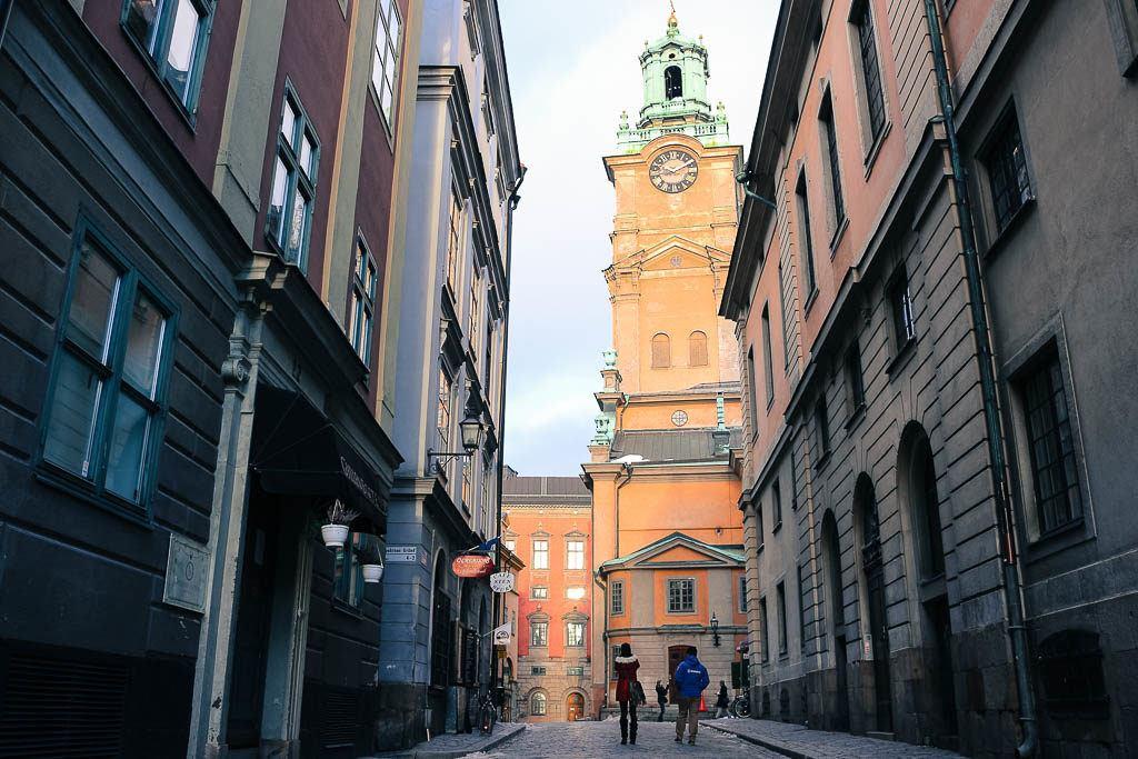 No roteiro do que fazer em Estocolmo não pode faltar um tour pelo centro histórico de Gamla Stan.