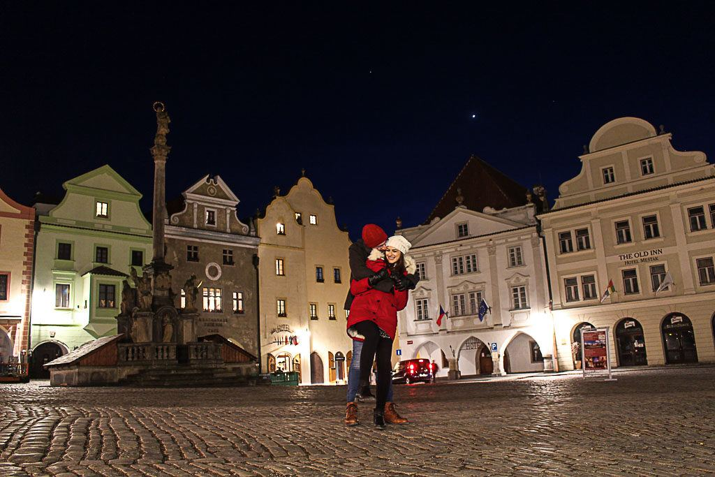 When all the tourist leave the town you can really enjoy the romantic things to do in Český Krumlov, Czech Republic.