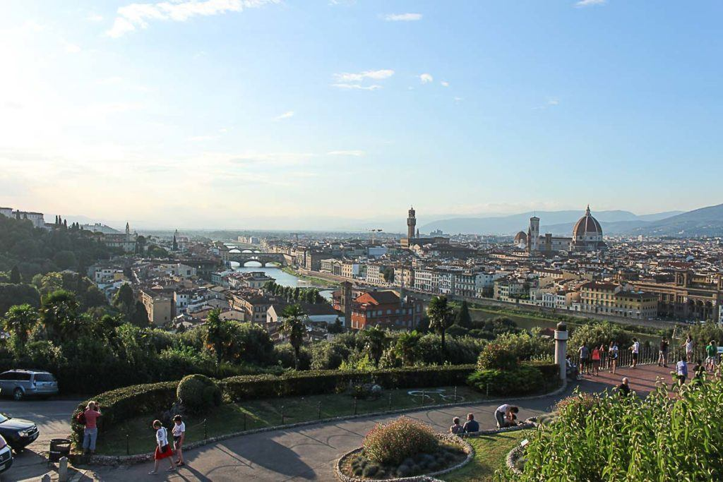 If you plan your trip well there many things to do in one day in Florence. visit the best museums and enjoy the city.
