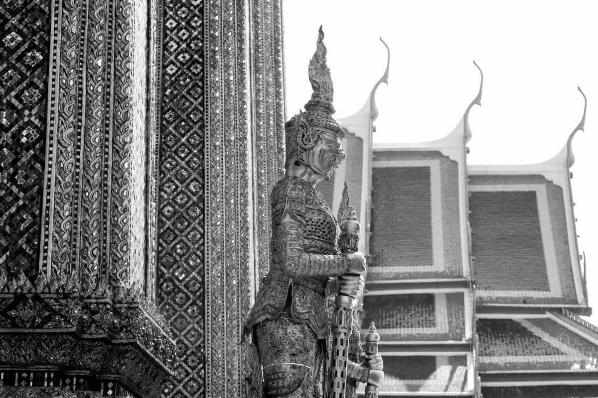 Dicas Para Quem Vai Para a Tailândia em Outubro > Como Viajar Durante o Mês da Cremação Real