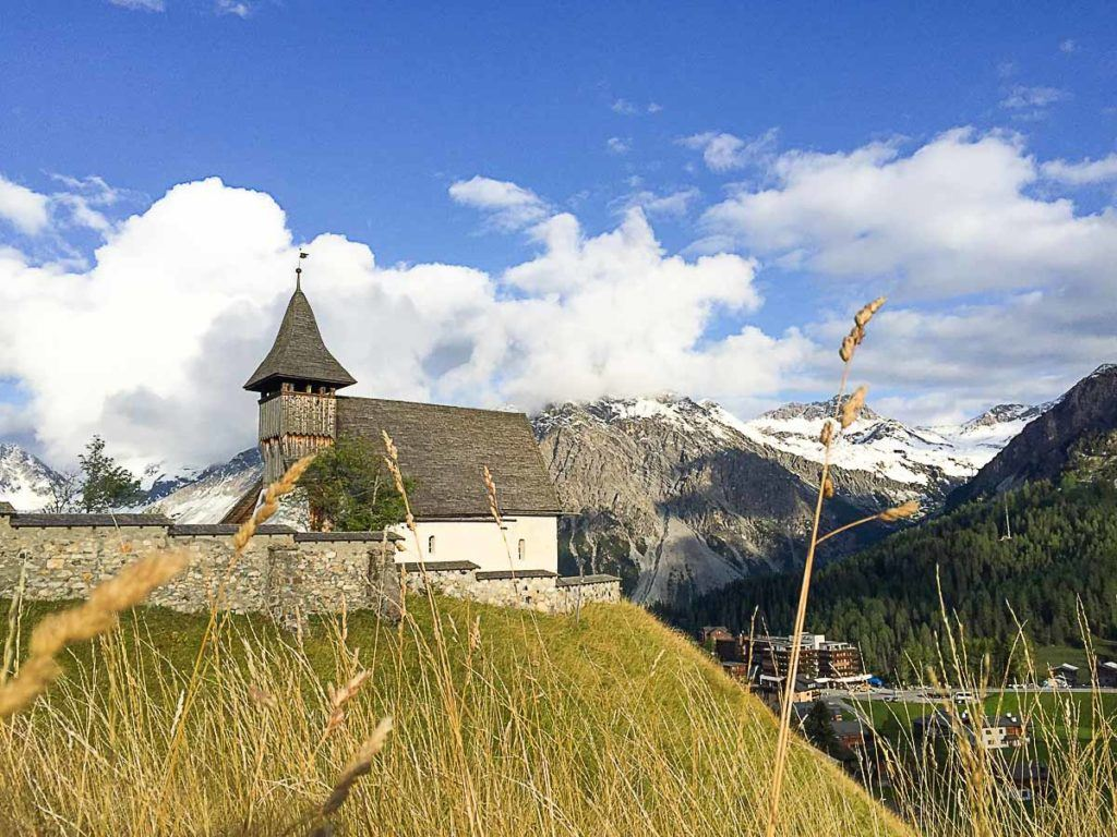 A guide to the to things to do in Arosa in Summer. Enjoy the Swiss Alps.
