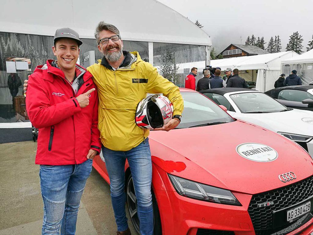 Rob went for a ride with the Race Taxi. A professional race driver took him for a ride on the official race track in Arosa.