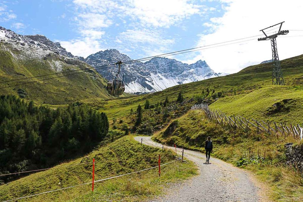 One of the best things to do in Summer in Arosa is to hike and get lost in the middle of stunning nature.