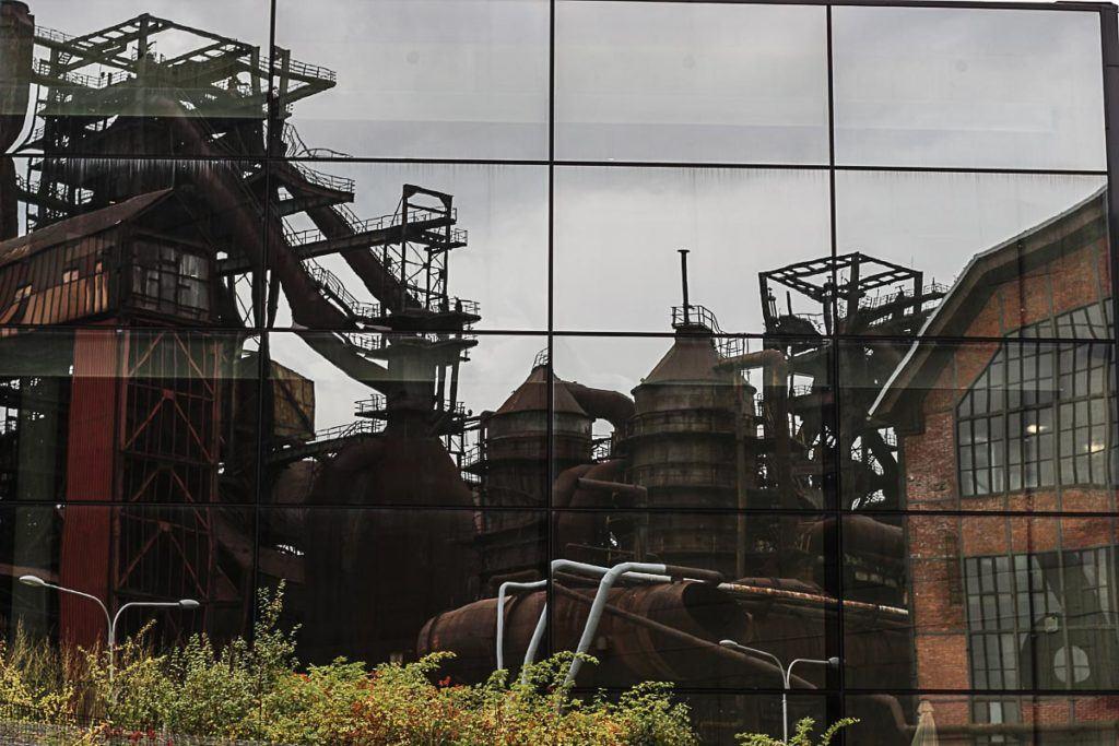 Além de visitar o complexo industrial na DOV você também pode visitar o Centro de Ciências e Tecnologia, uma das atrações de Ostrava e que é super recomendada para família com crianças.