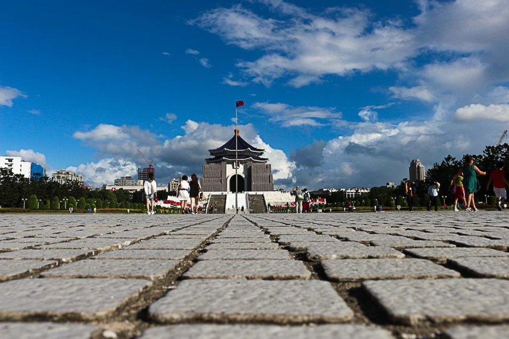 Durante a visita ao memorial aproveite para ver a troca da guarda, uma atração de Taipei bem concorrida.