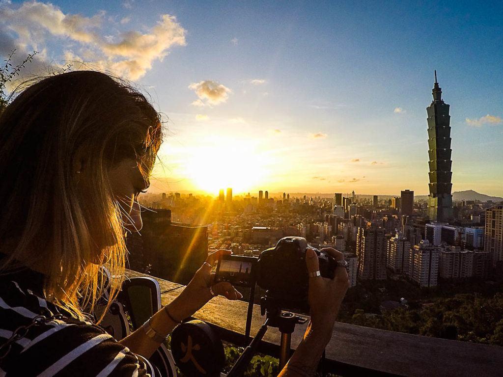Na sua lista do que fazer em Taipei não pode falar a trilha da Montanha do Elefante, o pôr do sol lá de cima é espetacular.