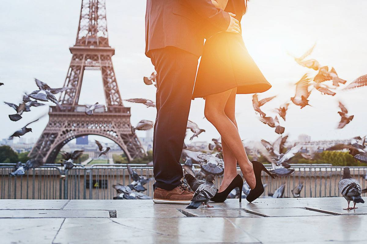 How to find the cheap and romantic hotels in Paris, France