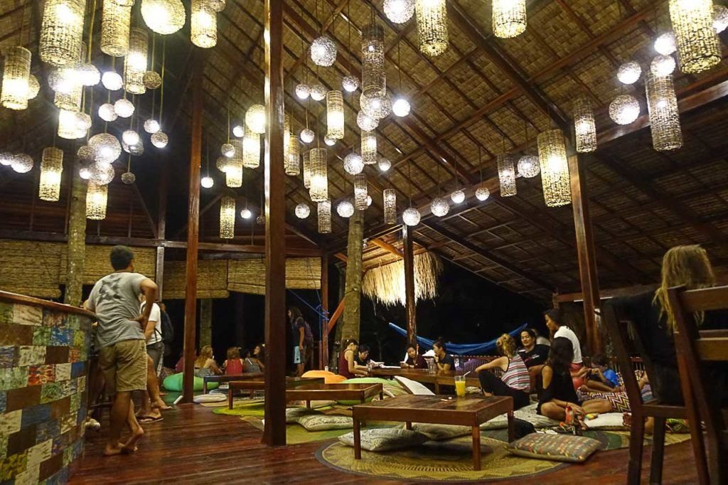 There are plenty o places to eat in Siargao, some hotels have nice restaurants where you can go for a drink, a meal or even a night out.