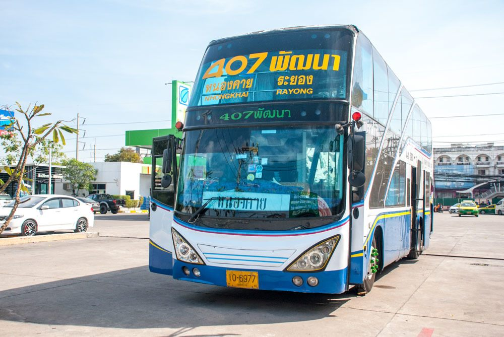 There are many types of buses in Thailand, from VIP24, VIP, Express, and Local buses, what means that you can choose to travel in Thailand by bus on 1st, 2nd or 3rd classes bus.