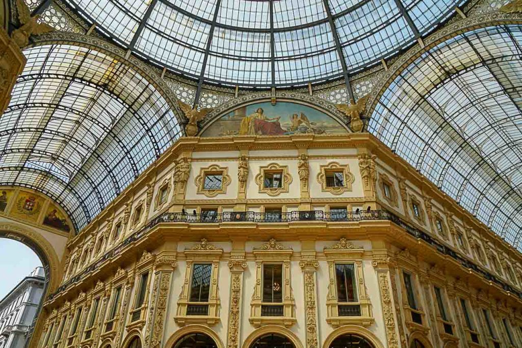 A trip to Milan is not complete without a visit to Galleria Vittorio Emanuele II, one of the most beautiful buildings in Milan.