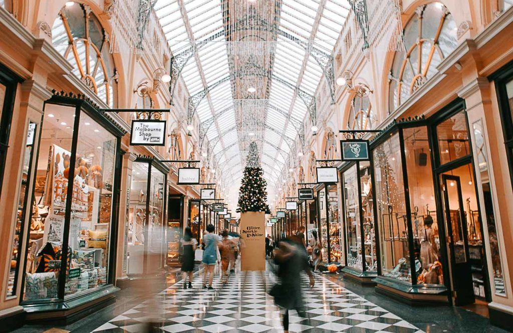 Several tourist travel to Melbourne to visit its markets.