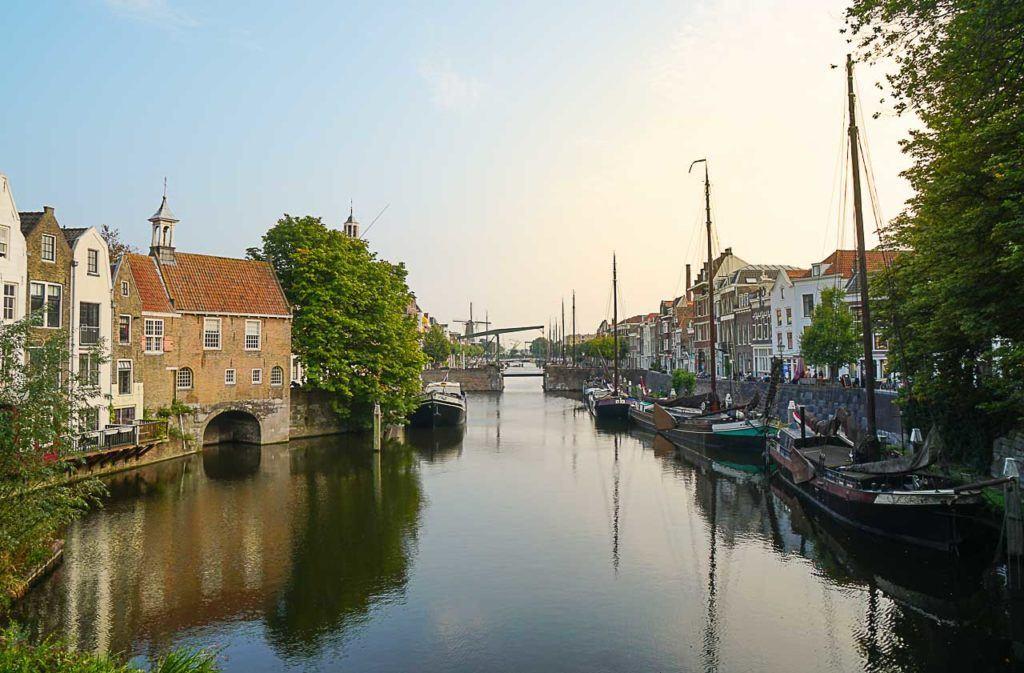 Delfshaven é um bairro encantador e ótimo lugar para ficar em Rotterdam, especialmente se você gosta de história e museus.