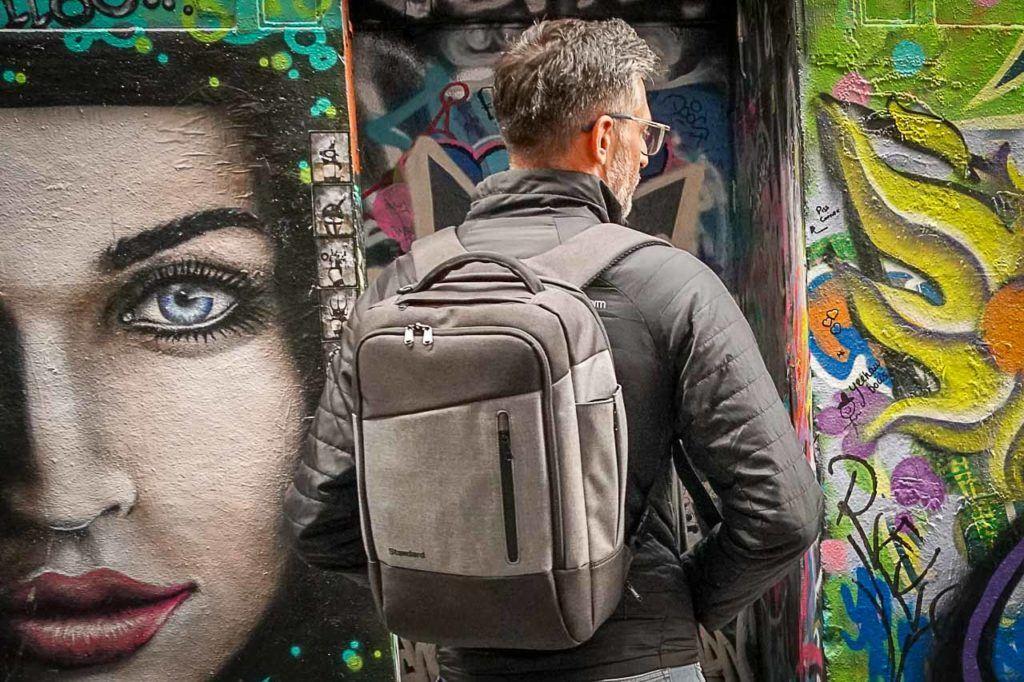 O Rob testou a mochila da Standard Luggage na nossa última viagem para Austrália e amou.