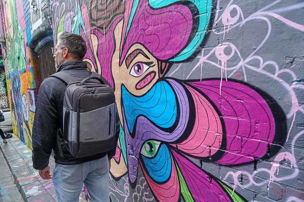 A mochila perfeita para o dia a dia e para viagens precisa ser prática, confortável, bonita e segura.