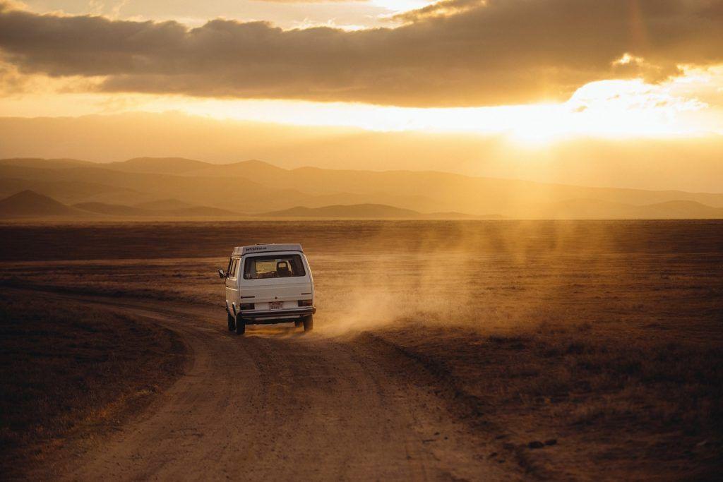 Antes de iniciar sua próxima aventura, obtenha uma cotação on-line do seguro de viagem SafetyWings ou World Nomad.