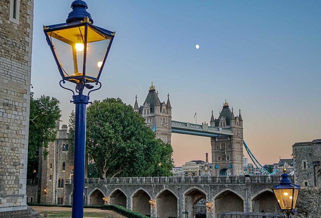 Arriving in London on a cruise ship is an experience like no other, and make sure to add to your Northern Europe Cruise some inland activities to better explore the city.