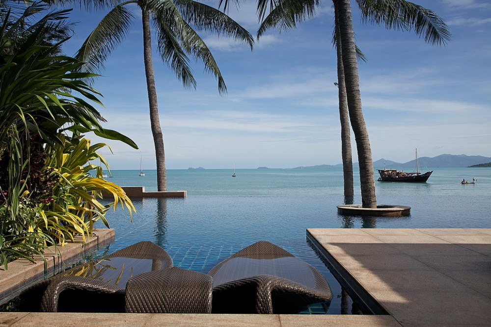 Enjoy laid-back days at one of the best beach villas in Koh Samui where you can cool if in a stunning infinity pool.