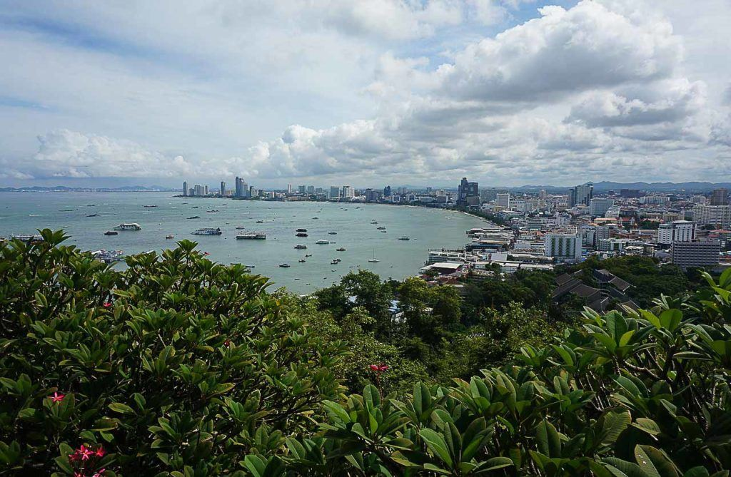 A visit to the Pattaya Viewpoint on Pratumnak Hill is a must-do tourist activity in Pattaya.