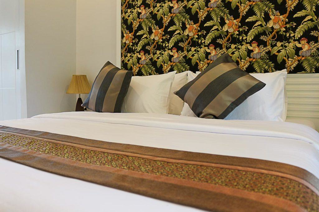 A nice bed in one of the best hotels in Sukhothai.