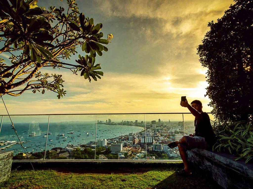 Depois de aprender como chegar em Pattaya desde Bangkok e de outras cidades da Tailândia, é hora de sentar e tirar algumas fotos.