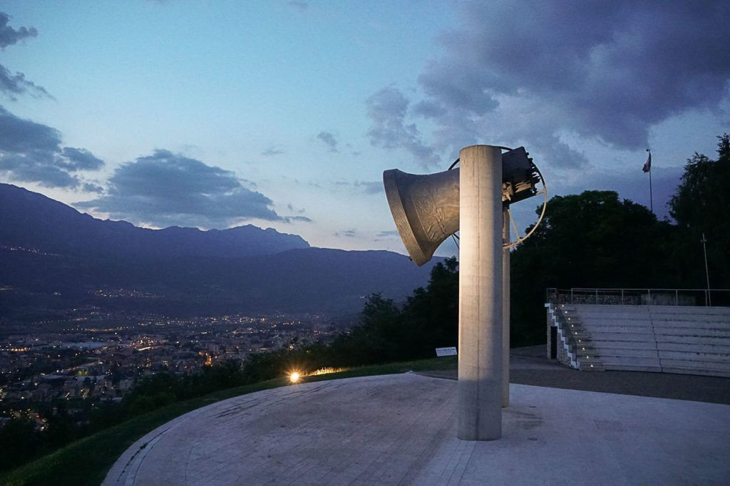 The huge Bell of the Fallen is located at the edge of Colle di Miravalle.