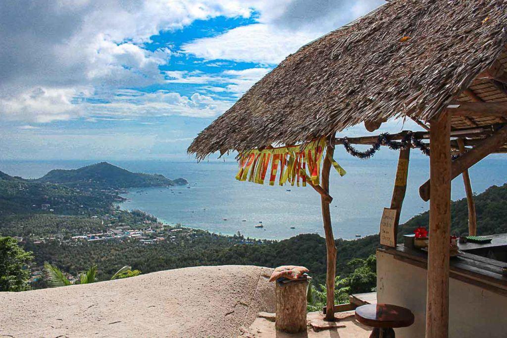 A trilha até o Mirante Mango (Mango Bay Viewpoint) é curta e bonita.