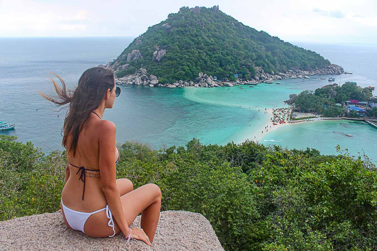 Traveler looking the island and wondering where to stay in Koh Tao, Thailand.