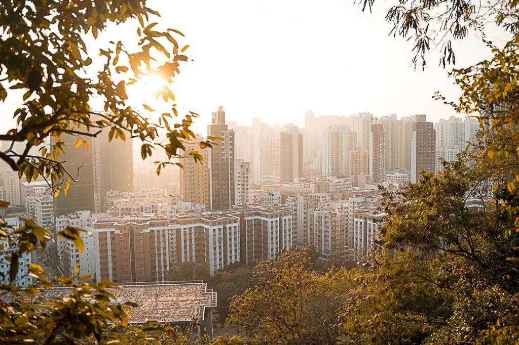 Quer saber quanto custa viajar para Hong Kong e visitar suas principais atrações? Tirando parques como a Disneyland, muitas atividades de Hong Kong são gratuitas.