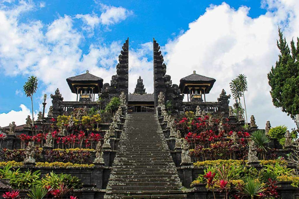 Templo Balinês. Tudo que você precisa saber sobre preços em Bali pode ser encontrado neste artigo.